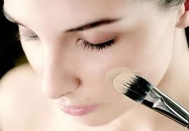 Тональная основа под макияж