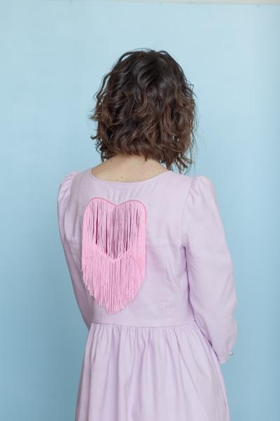 Дизайнерское платье из хлопка или льна с сердцем на спинке